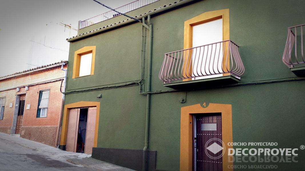 FACHADA CASA EN ZONA CENTRO - CORCHO PROYECTADO DECOPROYEC - Andalucia -